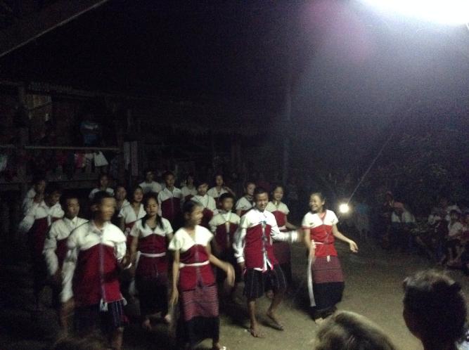 long neck people, long neck karen tribal dance