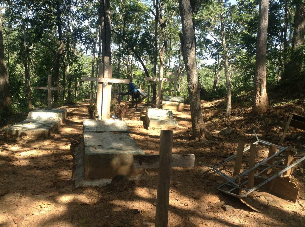 karen long neck hill tribe grave site