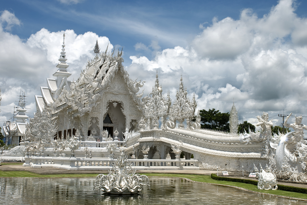 thailand, Wat Rong Khun, temple, how to plan a solo backpacking trip
