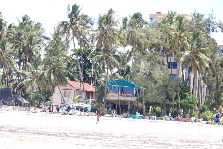 Diani beach, travel