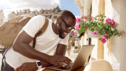 digital nomad, how to make money while traveling the world