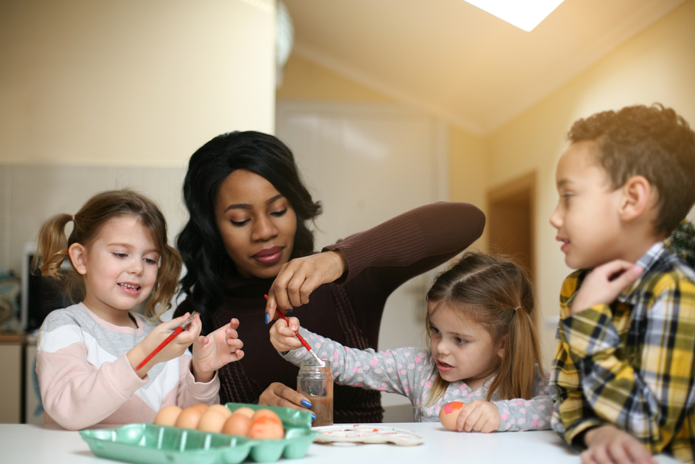 au pair, nanny, babysitter, how to make money while traveling the world