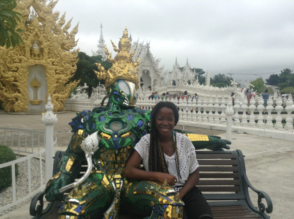 backpacking northern thailand, wat rong khung white temple